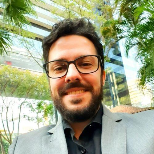 <strong>Bruno Mansano<br><em>Consultor Senior</em></strong>